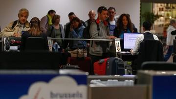 """""""Wszyscy do Amsterdamu!"""". Chaos i długie kolejki na lotnisku w Brukseli"""