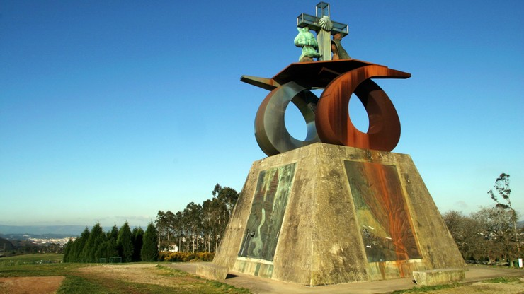 Hiszpania. Władze usuwają pomnik Jana Pawła II. Księża i wierni chcą go umieścić w innej lokalizacji