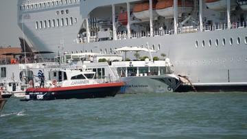 Wycieczkowiec uderzył w dok i statek z turystami w Wenecji. Co najmniej 5 osób rannych