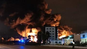"""Eksplozje i pożar w zakładach chemicznych w Rouen. """"Istnieje ryzyko zanieczyszczenia Sekwany"""""""