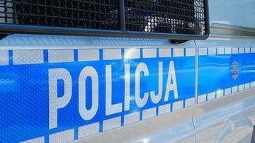 Nożownik zaatakował dwóch policjantów. Wcześniej wypadł z okna