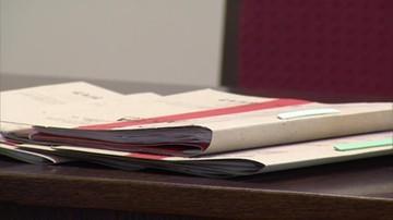 Prokuratura oskarżyła dwanaście osób o nielegalny handel sterydami