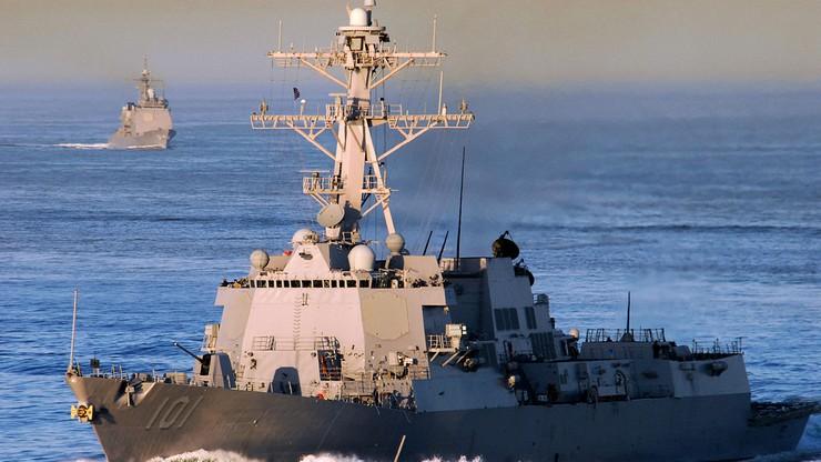 """Okręt USA """"zawrócony na wody neutralne"""". Ostrzeżenie rosyjskiego ministerstwa obrony"""