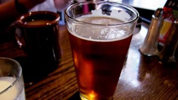 79 proc. Polaków najchętniej sięga latem po piwo