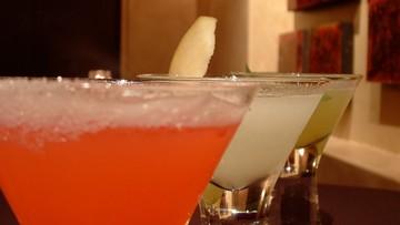 """Polacy piją codziennie średnio 42 gramy alkoholu, Polki 21 gramów. """"Każda ilość alkoholu szkodzi"""""""