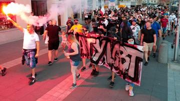 Policja zatrzymała mężczyznę, który hajlował na marszu anty-LGBT
