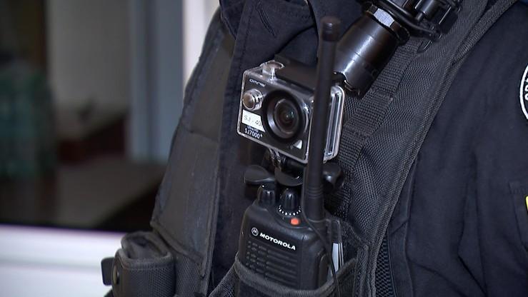 Rejestrują i działają prewencyjnie. Śląska policja ma kamery na mundurach
