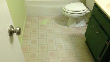 Zamontował system luster w szkolnej toalecie. Podglądał uczennice