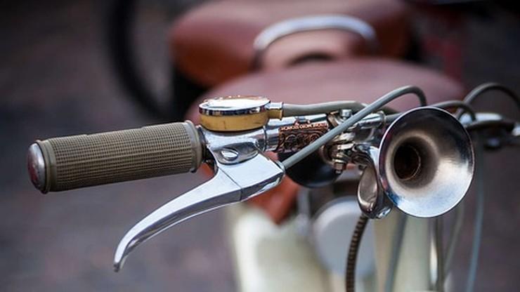 Neapol: trąbki rowerowe sposobem na kieszonkowców