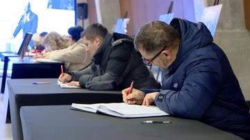 Już ponad 30 tys. osób pożegnało w Gdańsku Pawła Adamowicza
