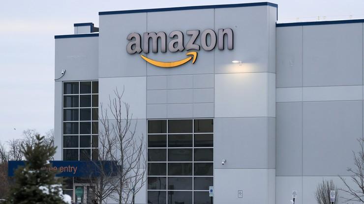 Amazon miał zatrzymać ponad 60 mln dolarów z napiwków pracowników. Teraz musi je zwrócić