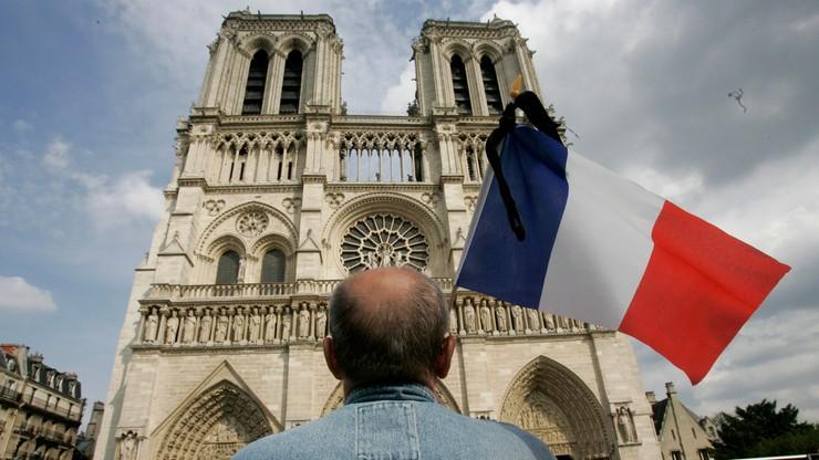 Perła architektoniczna gotyku, symbol Paryża. Katedra Notre Dame