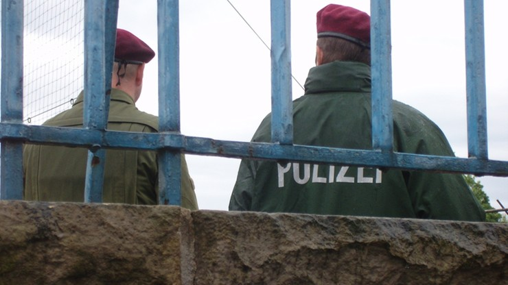 Niemiecka policja przeszukała obiekty należące do skrajnie prawicowej organizacji