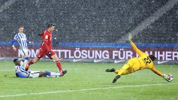 Lewandowski zmarnował rzut karny w meczu z Herthą