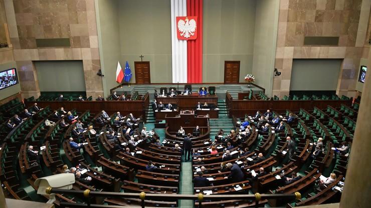 Sondaż dla Interii: PiS na czele. Druga PL2050 Szymona Hołowni z dużą przewagą nad KO