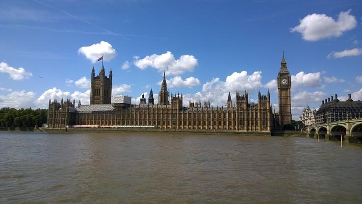 Brytyjski Wysoki Trybunał: na rozpoczęcie procedury Brexitu musi się zgodzić parlament