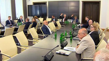 Komisja nie rekomenduje Senatowi wyrażenia zgody na zarządzenie referendum konstytucyjnego