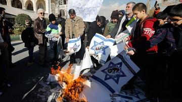 """""""Śmierć Ameryce"""", """"śmierć Izraelowi"""". Wielotysięczne manifestacje w Iranie"""