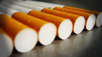 Wielka Brytania: papierosy tylko w neutralnych paczkach