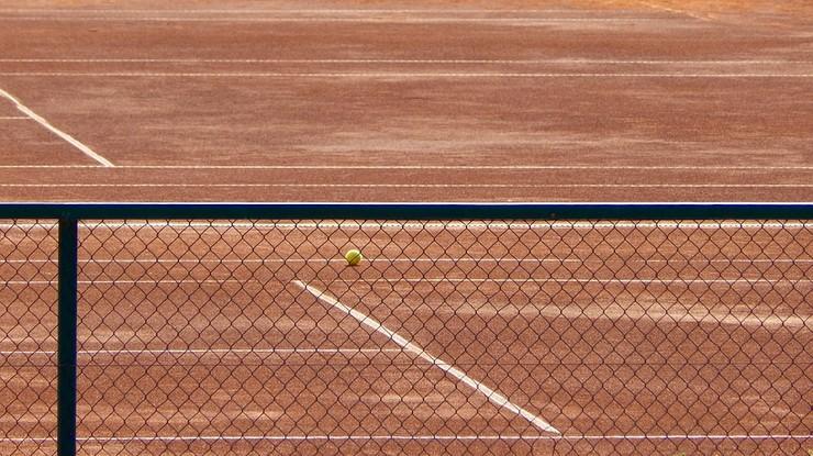 Ojciec znanego tenisisty podejrzany o kontakty seksualne z dziećmi