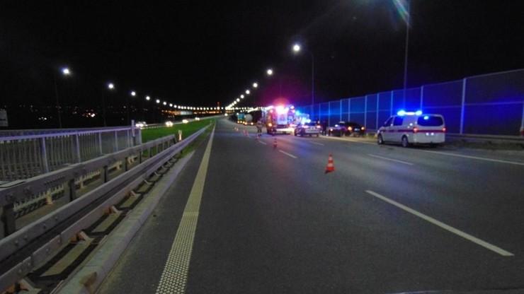 Śmiertelny wypadek w Krakowie. Gdy zmieniał koło, potrąciła go ciężarówka