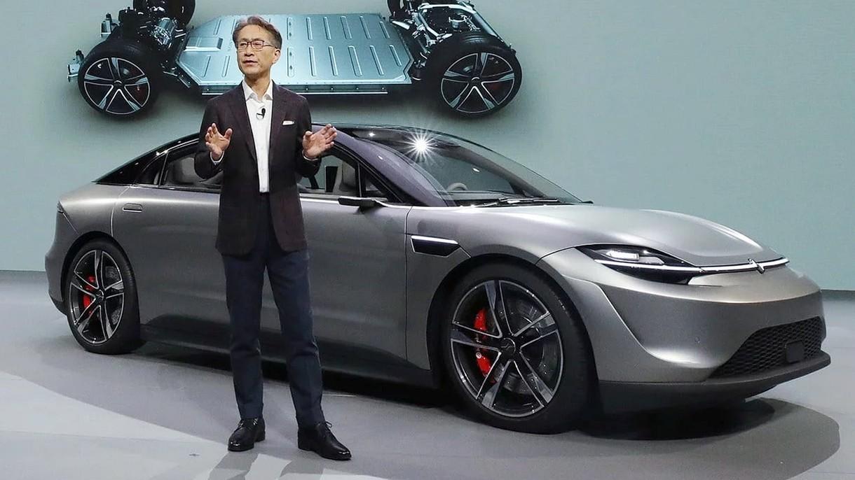 Samochód Sony to nie atrapa. Trafi do sprzedaży. Zobacz, jak jeździ [WIDEO]