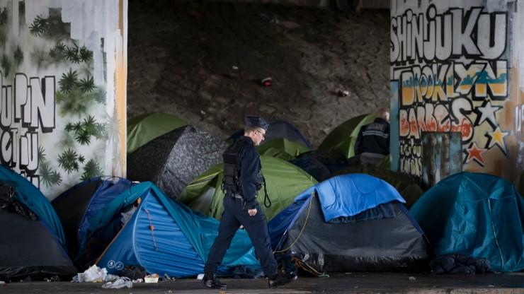 Ewakuacja tysiąca migrantów z obozowiska w Paryżu