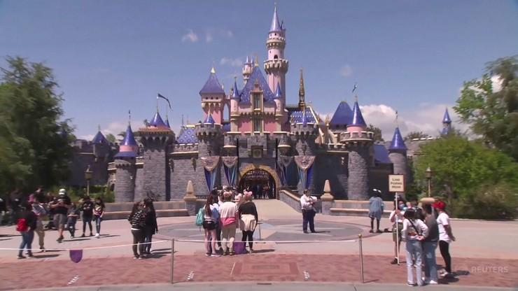 Najsłynniejszy Disneyland ponownie otwarty. Nigdy wcześniej nie był zamknięty  tak długo