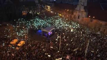 """Antyrządowe protesty po zabójstwie dziennikarza. """"Największa demonstracja w Bratysławie od 1989 r."""""""