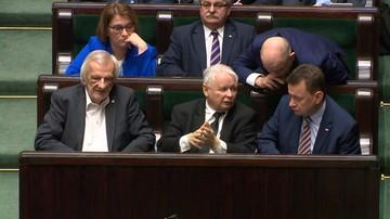 Ochrona, asystentka, kierowcy prezesa, przelewy dla fundacji o. Rydzyka. Wydatki PiS w 2017 r.