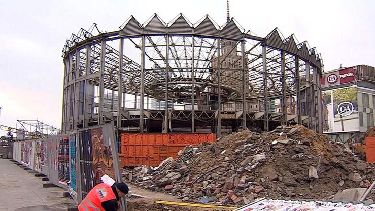 W środę dalszy demontaż Rotundy. Nie podjęto decyzji o wpisaniu konstrukcji do rejestru zabytków