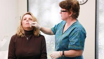Ruszyły badania szczepionki w sprayu. Może być skuteczniejsza od dotychczasowych