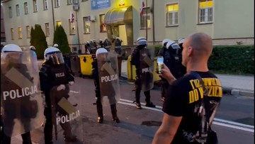 Zamieszki w Lubinie, policja użyła gazu i armatek wodnych. 30 zatrzymanych
