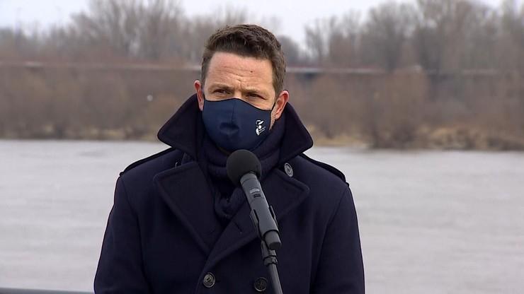 Trzaskowski: niech nic nie przesłoni nam pamięci o ofiarach katastrofy smoleńskiej