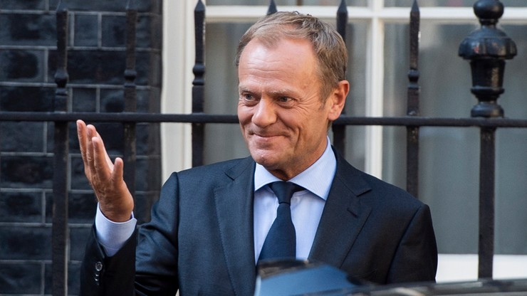 Tusk: UE musi kontrolować granice; stawką wyborcy