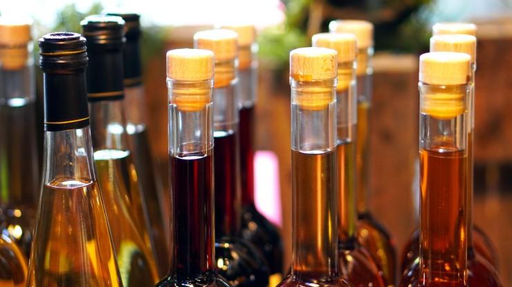 Sprzedaż alkoholu przez internet. Ekspert: w Polsce nie jest uregulowana