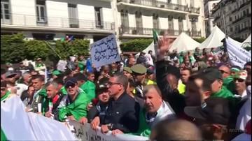 Algieria: milion osób protestuje przeciwko prezydentowi. Policja użyła gazu i armatek wodnych