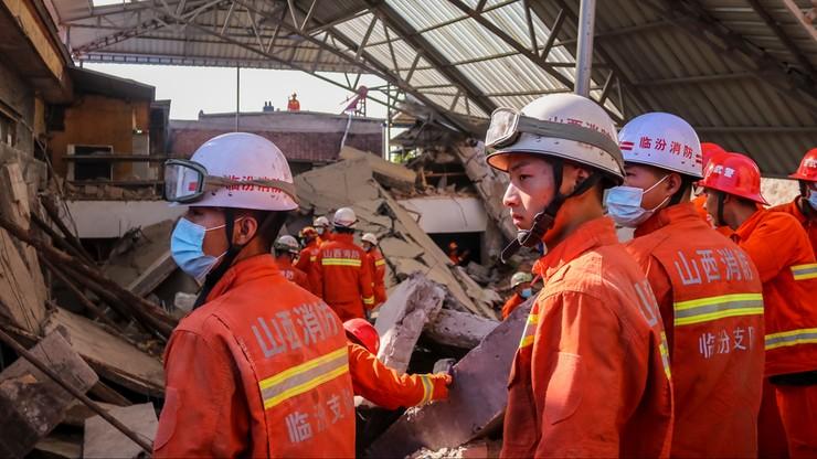 Chiny: zawalił się dach restauracji. Zginęło 29 osób