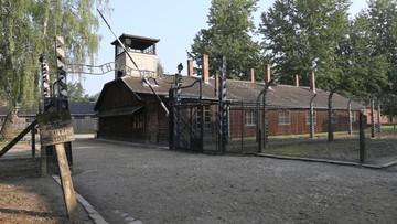 Turyści odpowiedzą za okradanie i niszczenie Muzeum Auschwitz