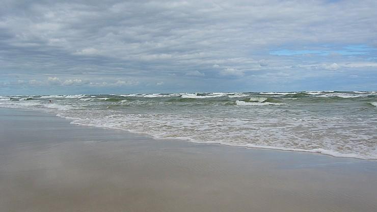 Kobieta zmarła po kąpieli w Bałtyku. Zaraziła się przecinkowcami