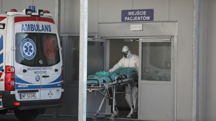 W ciągu ostatniej doby do szpitali trafiło ponad 800 osób z COVID-19
