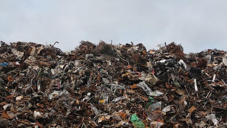 """""""Rz"""": resort środowiska chce, by odpady komunalne można było wozić na drugi koniec Polski"""