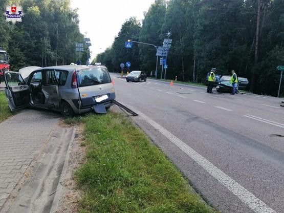 W zderzeniu ucierpiały pasażerki z volkswagena.