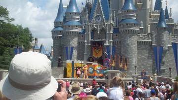 Media: zamachowiec z Orlando rozważał atak na Disney World
