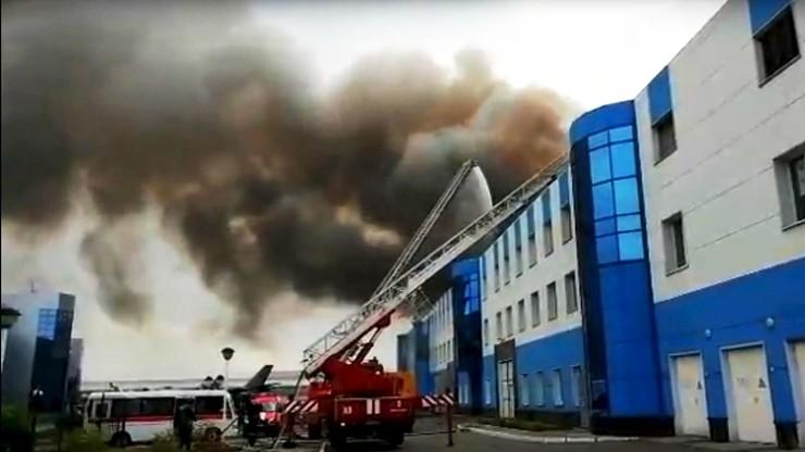 Płonie fabryka nowoczesnych myśliwców Su-30 w Irkucku [WIDEO]
