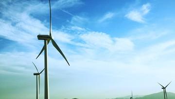 """""""Chcemy odblokować inwestycje wiatrakowe"""". PO złożyła projekt ustawy"""
