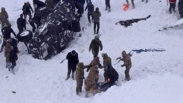 Ratownicy szukali ocalałych, zeszła kolejna lawina. Nie żyje co najmniej 31 osób
