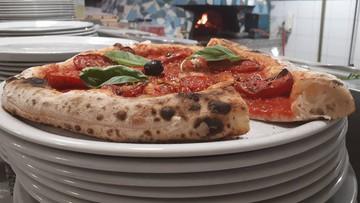 """We Włoszech powstała """"protestacyjna pizza"""". Ma zwracać uwagę na fatalny stan dróg"""