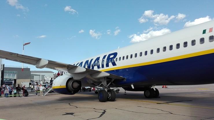 Chciała lecieć z Wrocławia do Glasgow. Wylądowała w... Londynie