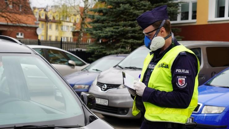 38-latka zakażona koronawirusem poszła na zakupy. Została aresztowana